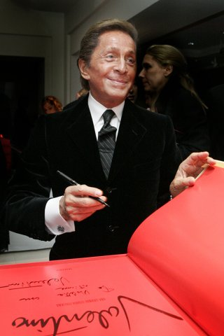 valentino_sign_christies_