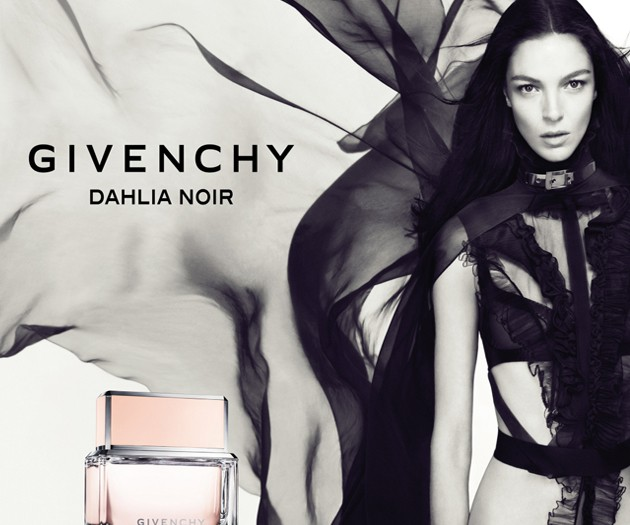 dahlia_noir_givenchy_perfum_beauty_blogger_paris_the_princess_in_black