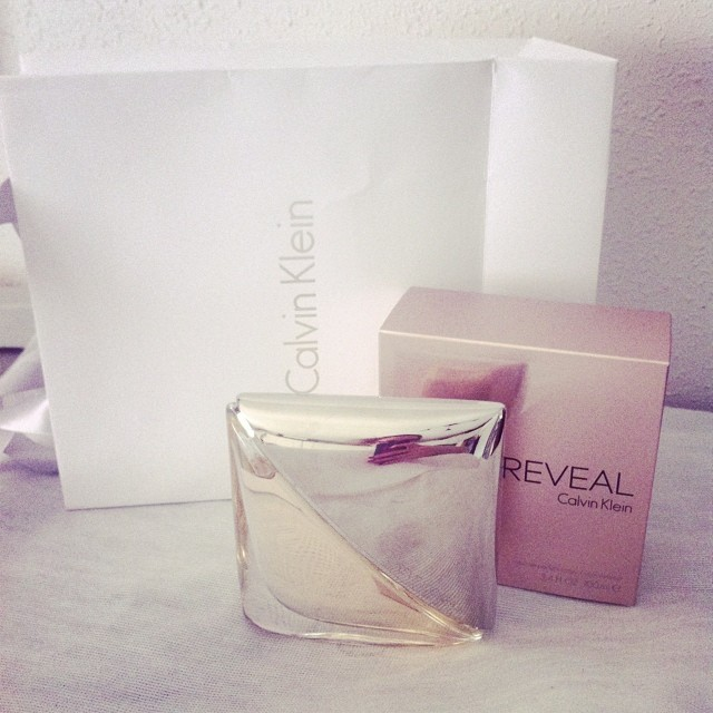 Good morning!! New perfume #Revel by #CalvinKlein !!❤️ Buenos dias!! Mi nuevo perfume #Revel de  #CalvinKlein es genial!! Muy pronto más detalles en el blog!!?? Feliz sábado a todos! http://www.theprincessinblack.com #fashionblog #lookoftheday #lookbook #outfit #itgirl #toppic #instagrampic #bestpic #streetstyle #beauty #happy #followme #havefun #instagramlikes #blogger #blog #blogmoda #glamour