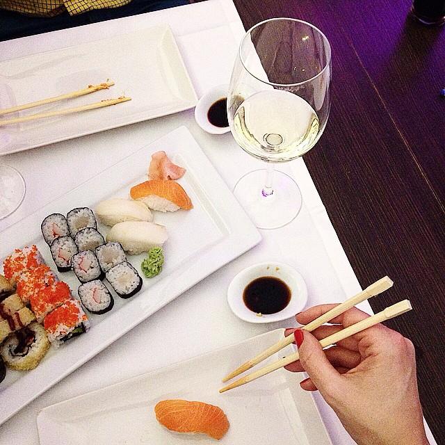 #Sushi dinner!! ????? Happyyyyyyy!! Enjoy the night!! http://www.theprincessinblack.com #fashionblog #lookoftheday #lookbook #outfit #itgirl #toppic #instagrampic #bestpic #streetstyle #beauty #happy #followme #havefun #instagramlikes #blogger #blog #blogmoda #glamour
